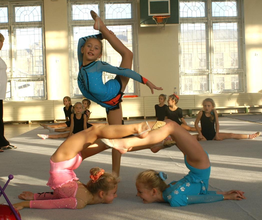 Гимнастки видео онлайн в раздевалке